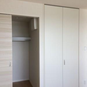 寝室2収納*ココに入れば生活スペースのスッキリ自由度が広がるから